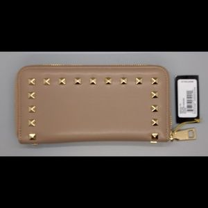 e11953f14a bebe Bags   Jane Zip Around Wallet In Taupe   Poshmark
